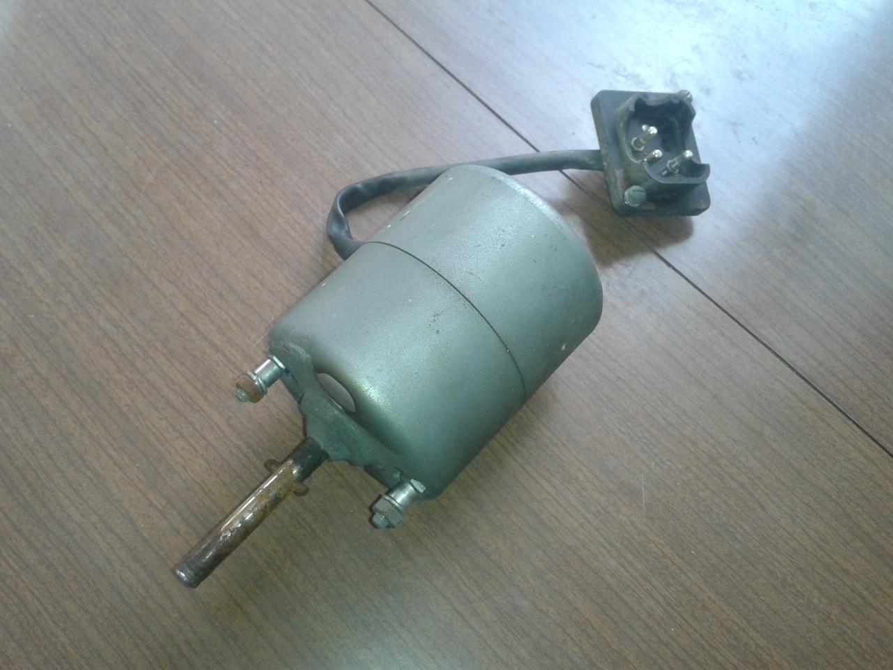 Mercedes w111 heater blower motor bosch 0130103001 multi for Multi speed blower motor